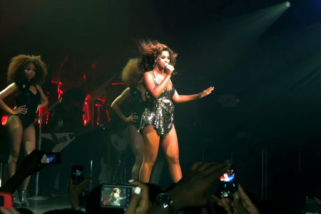 Beyonce pregnant at Roseland Ballroom