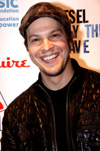 Gavin DeGraw savagely attacked in NYC