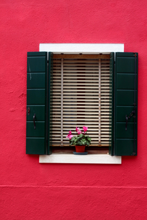 How to paint your shutters