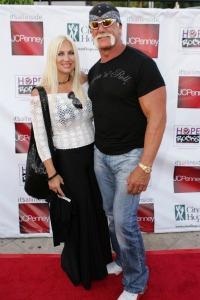 Linda Hogan hints at affair