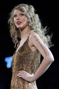 Taylor Swift on Speak Now tour