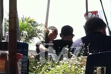 Wil and Jada do lunch in Malibu