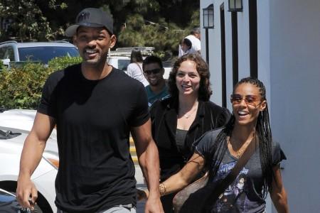 Will and Jada smile at breakup rumors