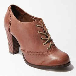 Wooden heel oxford