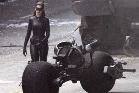 Anne Hathway Catwoman Batman costume with batpod