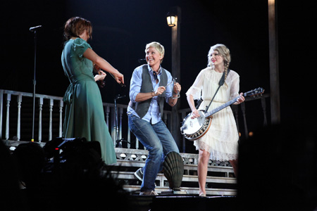 Ellen DeGeneres and Taylor Swift