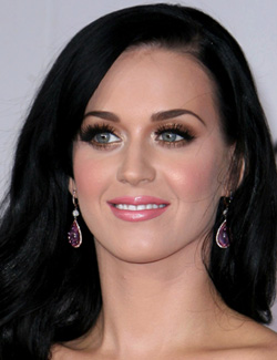 Katy Perry's all-out glam