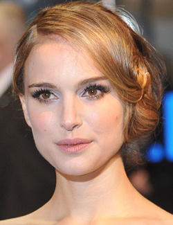 Natalie Portman's all-about-eyes look