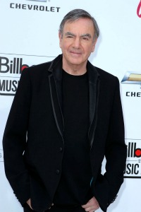 Neil Diamond engaged to manager