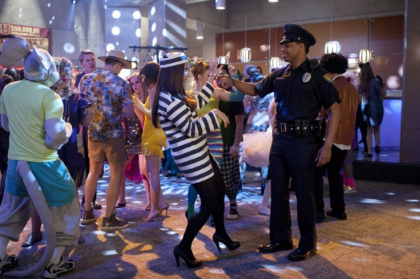 costume fun on 90210