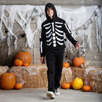 Tween-Halloween-Costume-Skeleton