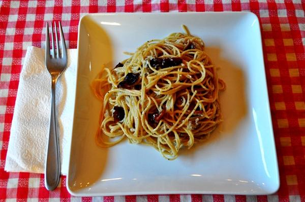 Egg whites make the perfect spaghetti sauce