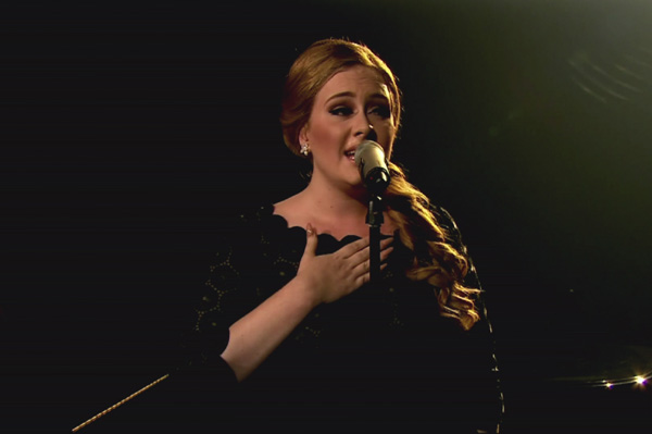 Adele cancels UK shows