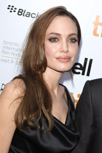 Angelina Jolie spreads peace in Africa