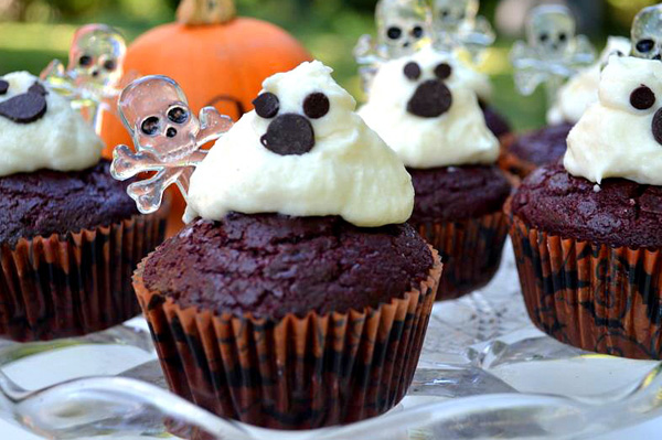 Halloween cupcakes, Boo-tiful ghosts design