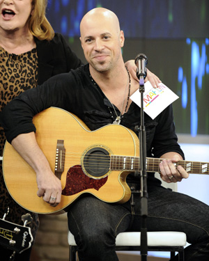 Daughtry singing at world series game 7