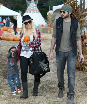 stylish celebrity mom, Christina Aguilera
