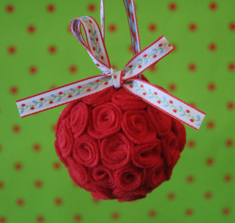 Christmas Craft Ideas  on How To Make A Christmas Ornament  Completed Jpg