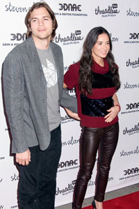 Demi Moore ignores Ashton Kutcher on Twitter