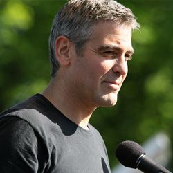 George Clooney speaks at Darfur rally in Washington DC