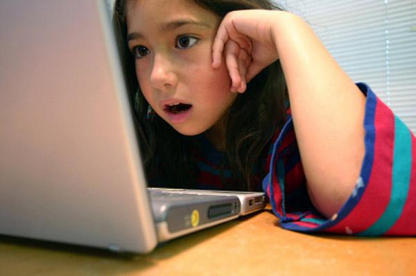 girl-on-the-internet