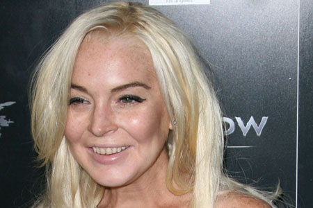 Lindsay Lohan has rotting teeth