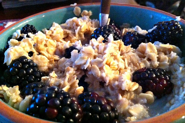 Old fashioned fruit & nut oatmeal