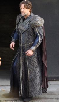 Russell Crowe as Jor-El