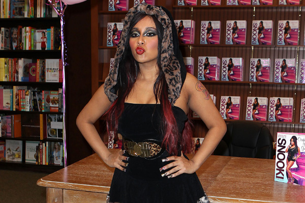 snooki halloween costume 2011
