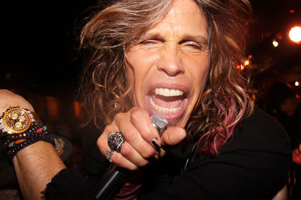 Steven Tyler had food poisoning