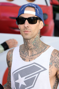 Travis Barker beat drugs,went vegan