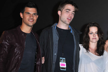 Twilight actors to be immortalized in cement