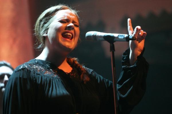 Adele the queen of heart break