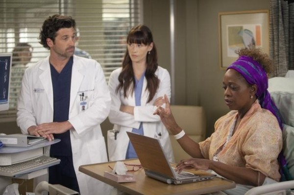 Alfre Woodard checks into Grey's Anatomy