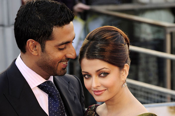 Aishwarya Rai gives birth to daughter