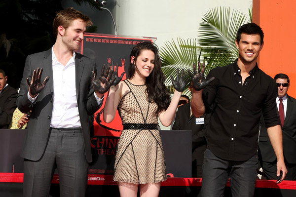 Rob, Kristen & Taylor get immortalized