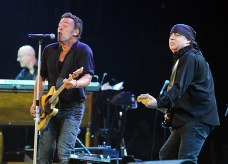 Bruce Springsteen announces 2012 tour dates