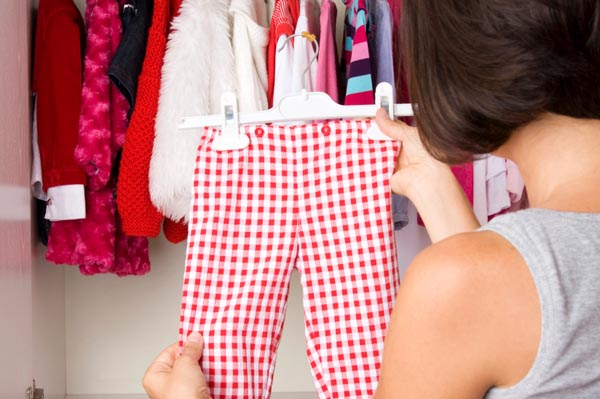 cleaning-out-kids-closet-for-resale