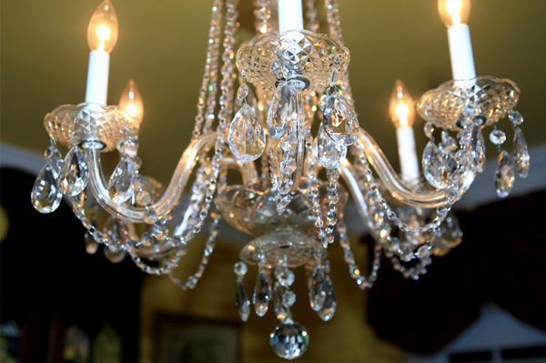 Formal dining room d cor ideas - Dining room crystal chandelier ...
