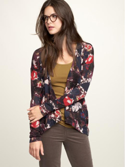 Floral-print sweater