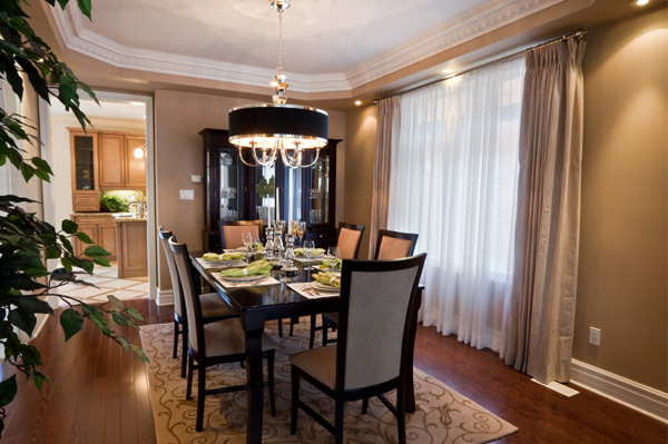 Formal dining room decor for Formal dining table decorating ideas
