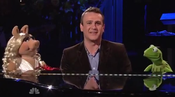 segel and muppets invade snl