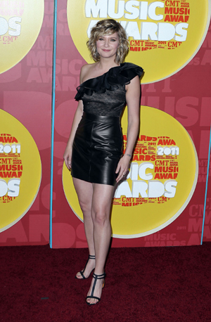Jennifer Nettles of Sugarland at 2011 CMA Awards