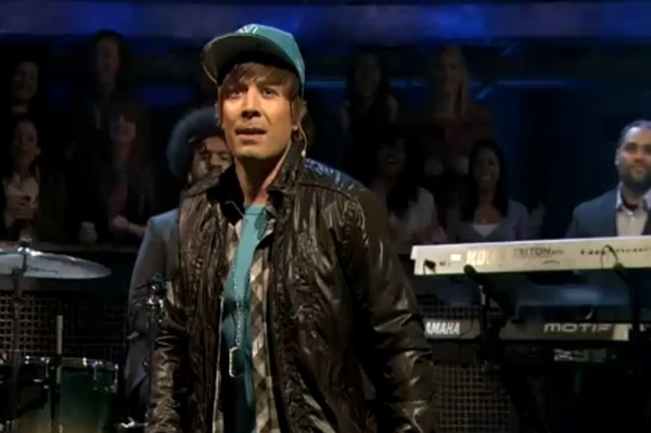 Jimmy Fallon as Justin Bieber