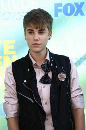 Justin Bieber's Fans Bombard Mariah Yeater