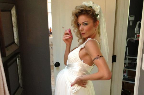 LeAnn Rimes smoking a cigarette (or weed)