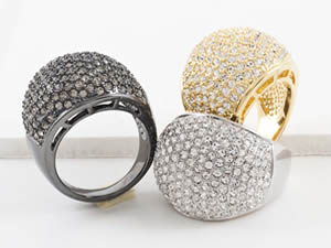 Melania Trump's holiday jewelry collection - rings