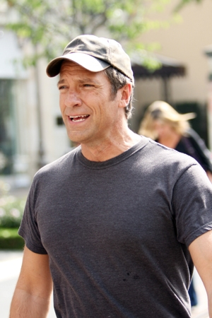 Mike Rowe of Dirty Jobs sued by Mike Rowe