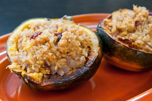Apple and rice-stuffed acorn squash