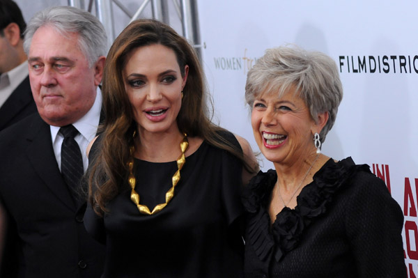 Angelina Jolie with Brad Pitt's parents